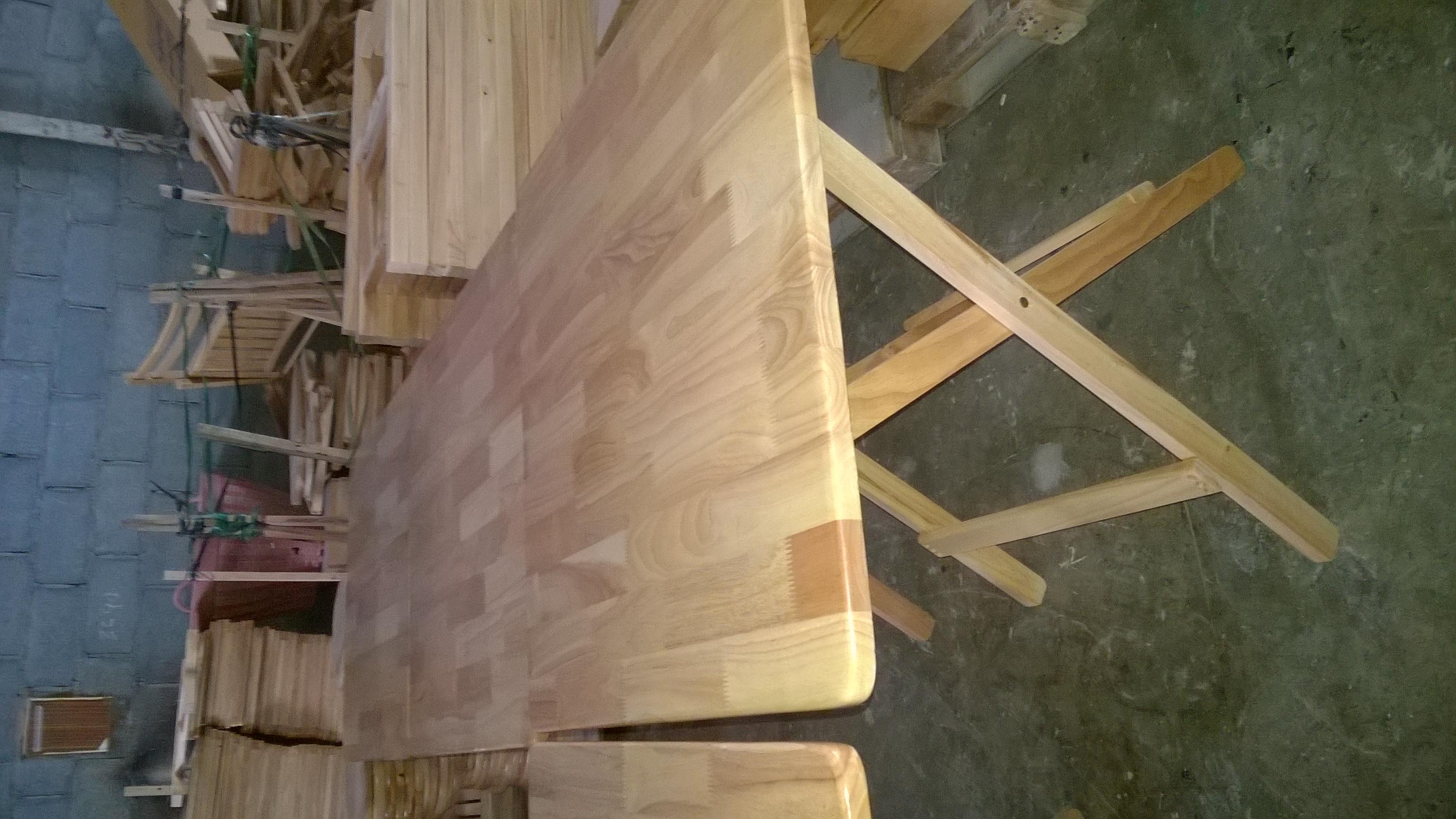 โต๊ะไม้ยางพารา