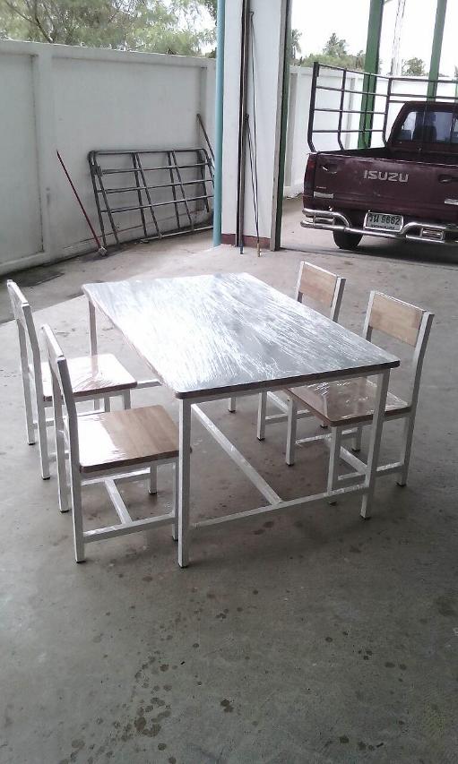 โต๊ะกลุ่มอนุบาล  4,400.-