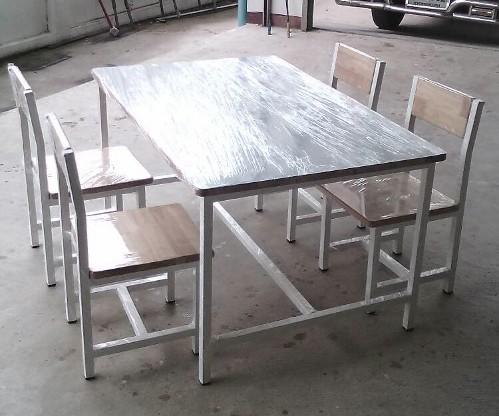 โต๊ะวิทยาศาสตร์