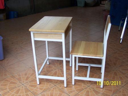 โต๊ะนักเรียน ไม้ยางพาราขาเหล็ก ประถม