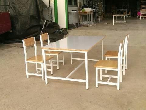 โต๊ะกลุ่มอนุบาล 4 ที่นั่ง