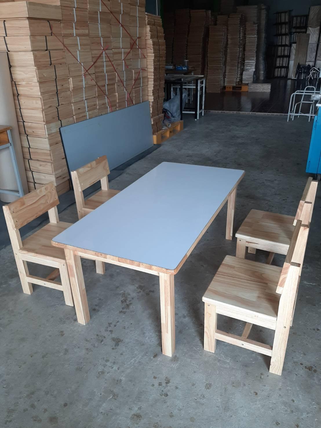 โต๊ะ อนุบาล ไม้ยางพารา ขาไม้ ติดลามีเนส